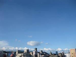 夏らしくなってきた空の様子(1) 山形屋方面 20110710